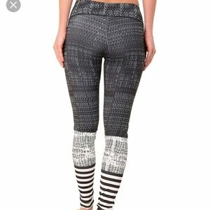 2a42210dbc Onzie Pants   Graphic Legging Levels   Poshmark